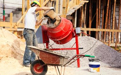 Jak należy zabezpieczyć plac budowy?