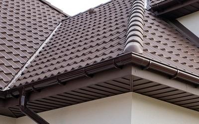 Czy konieczny jest montaż podbitki dachowej?
