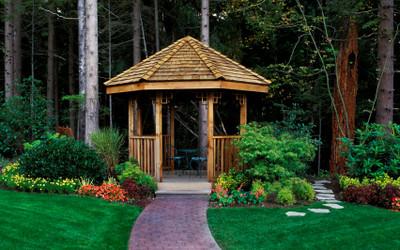 Altana ogrodowa - funkcjonalny element małej architektury